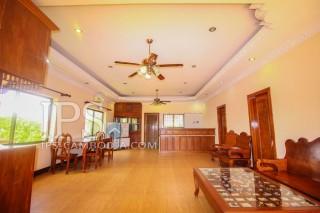 4 Bedrooms Upstairs Villa for Rent - Siem Reap