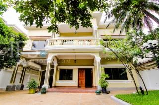 Luxury Villa for Rent in Daun Penh - 5 Bedrooms