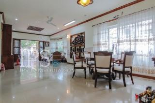 Villa for Rent in Tonle Bassac - Four Bedrooms