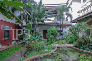 Townhouse for Rent in Phnom Penh - One Bedroom in Tonle Bassac