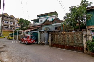 Townhouse and Land for Sale in Phnom Penh