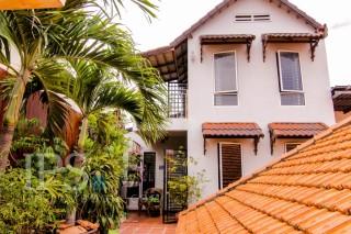 Apartment for Sale in Phnom Penh - Three Bedrooms in BKK1