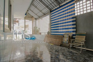 Five Bedroom Townhouse in Boeung Tumpun For Sale thumbnail
