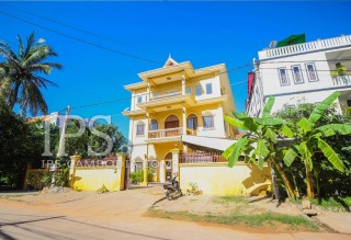 10 Bedroom House for Rent - Siem Reap