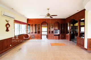 Villa for Rent in Phnom Penh - Four Bedrooms in Chroy Changvar  thumbnail