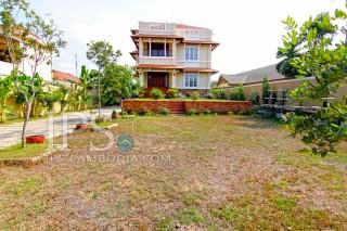 Villa For Rent - Eleven  Bedroom in Chroy Changva