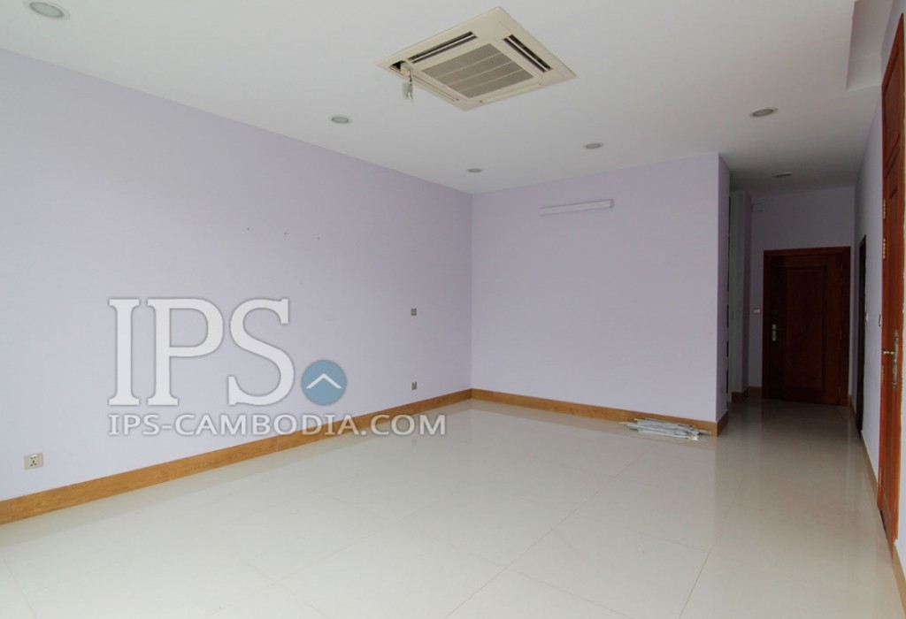 Townhouse For Rent in Phnom Penh - Four Bedrooms