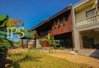 3 Bedroom Wooden House villa for Rent in Siem Reap