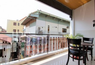 One Bedroom Apartment in Phnom Penh For Rent - Close to Riverside thumbnail