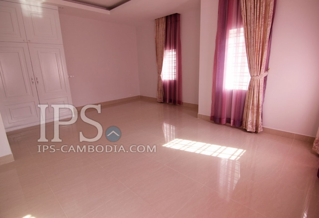 Townhouse for Rent in Phnom Penh - Four Bedrooms in Sen Sok
