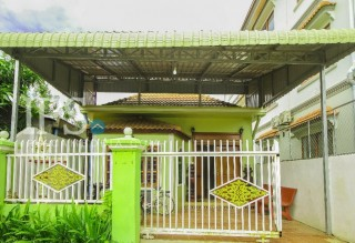 Green and Pink Villa for Rent in Siem Reap