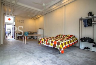 Renovated Studio Apartment Near Central Market for Rent