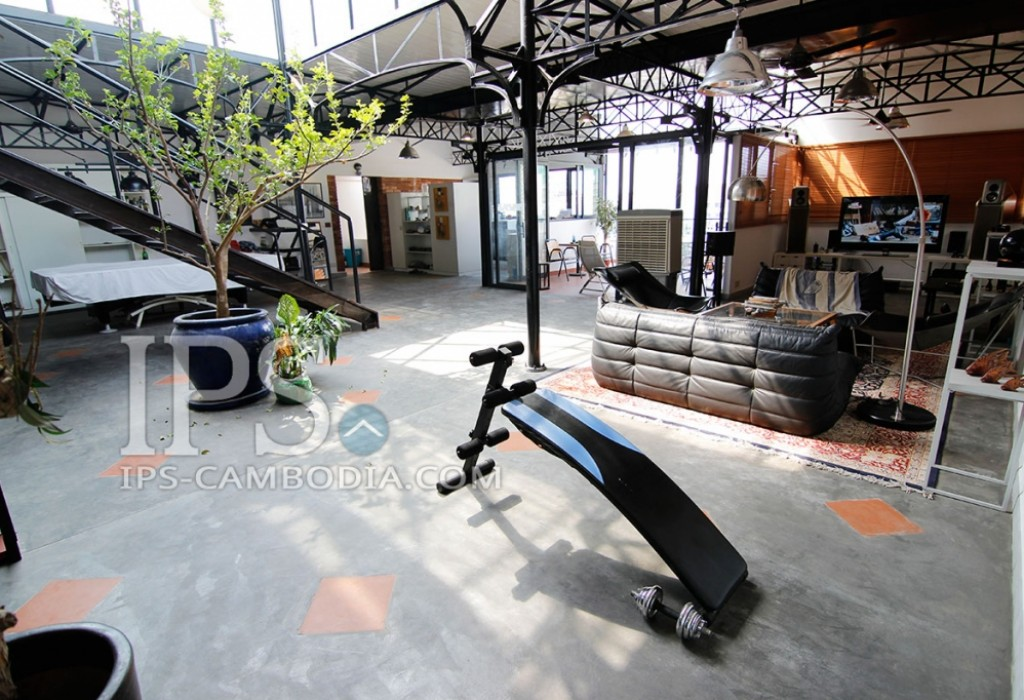 Industrial Open-Plan Apartment For Sale in Wat Phnom, Phnom Penh