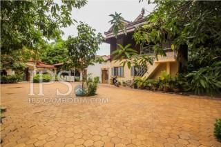 Tropical 2 Bedroom Villa for Rent in Siem Reap