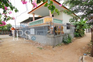 House and Lot For Sale in Tuek Thla
