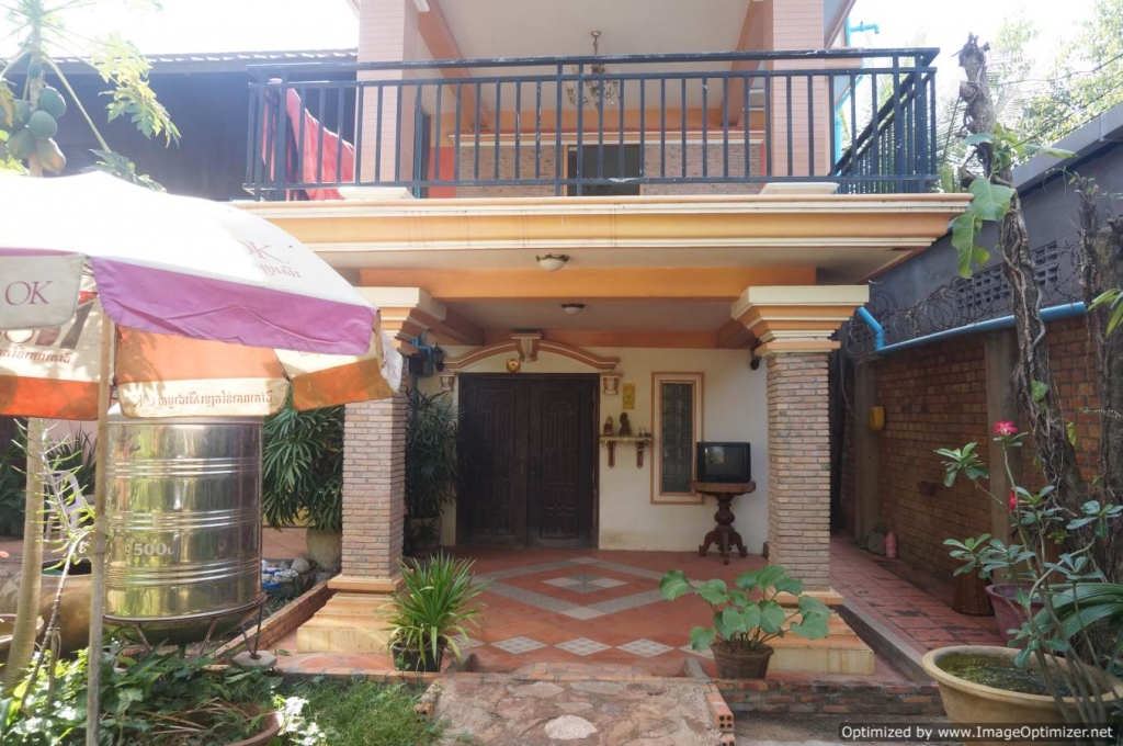 Three Bedroom Wooden House for Rent in Siem Reap