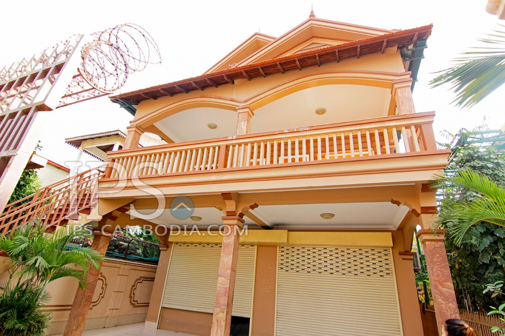 3 Bedroom Townhouse For Rent - Toul Tum Poung, Phnom Penh