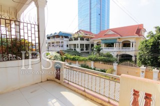 Spacious Four Bedroom Townhouse For Sale in BKK3 Phnom Penh