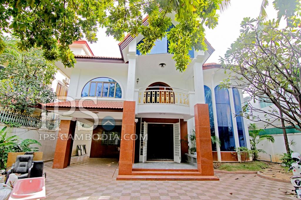 Five Bedroom Villa for rent in Daun Penh