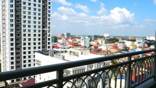 DeCastle Royal - Huge Three Bedroom Condominium for Sale