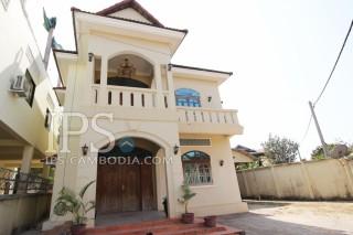 Attractive Three Bedroom Villa for Rent in Siem Reap - Wat Damnak thumbnail