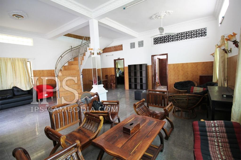 Attractive Three Bedroom Villa for Rent in Siem Reap - Wat Damnak