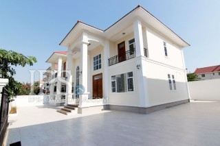 Villa for Sale in Phnom Penh - Four Bedrooms in Chroy Changvar