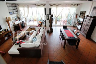 Massive Renovated Five Bedroom Riverside Apartment For Sale