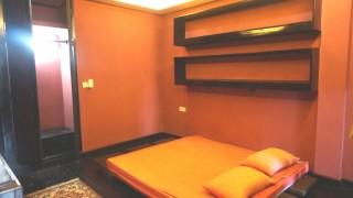 Spacious One Bedroom Apartment for Sale in Daun Penh thumbnail
