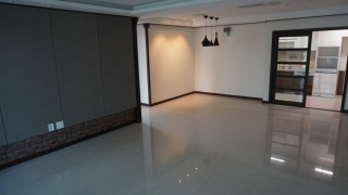 Three Bedroom Apartment For Sale in Phnom Penh - DeCastle Royal
