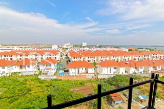 Four Bedroom Apartment in Chroy Chongva For Sale