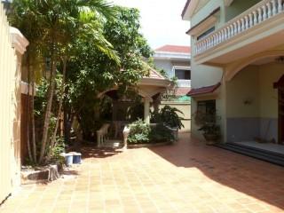 6 Bedroom Villa in Toul Kork