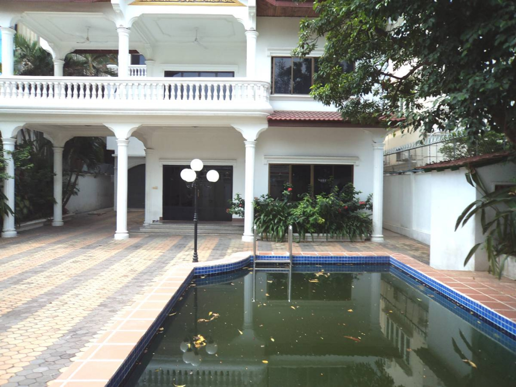 6 Bedroom Villa in Daun Penh - Phnom Penh