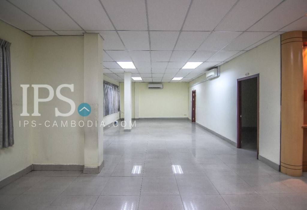 Commercial Office Space For Rent - Daun Penh