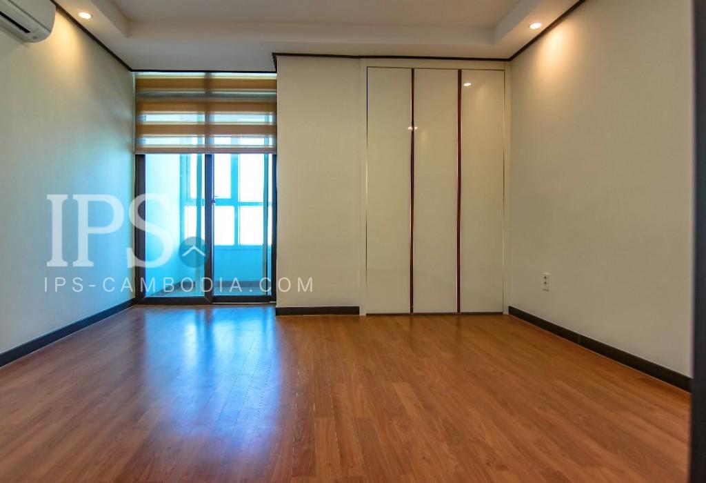 Phnom Penh Apartment 4 Bedrooms for Rent - BKK1