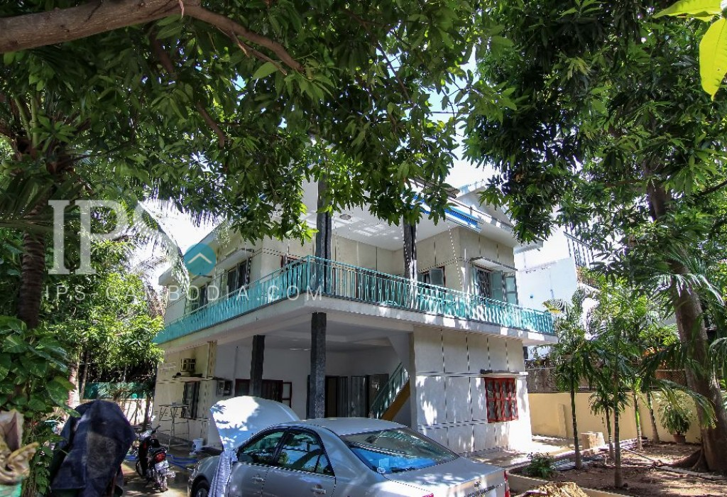 6 Bedroom Villa for Sale - BKK1