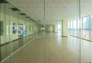 1500 sqm. Commercial Office For Rent - 7 Makara