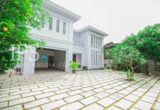 Siem Reap - 6 Bedroom Villa for Rent