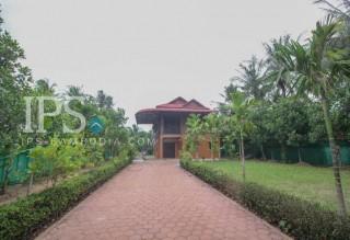 3 Bedroom Wooden House for Rent - Sala Kamreuk Area