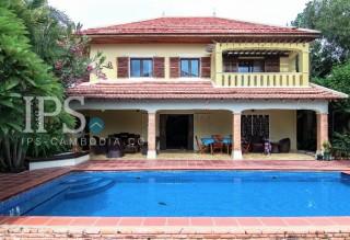 Residential Villa for Rent in Tuek Thla - 5 Bedrooms