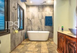 Daun Penh  - 3 Bedrooms Plus Study Room Duplex Apartment for Sale  thumbnail