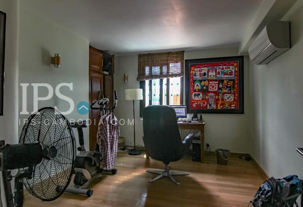 Daun Penh  - 3 Bedrooms Plus Study Room Duplex Apartment for Sale