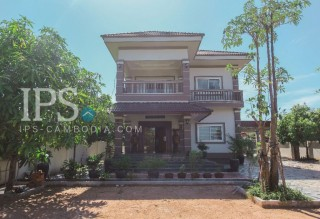 4 Bedroom Villa For Sale - Sala Kamreuk, Siem Reap