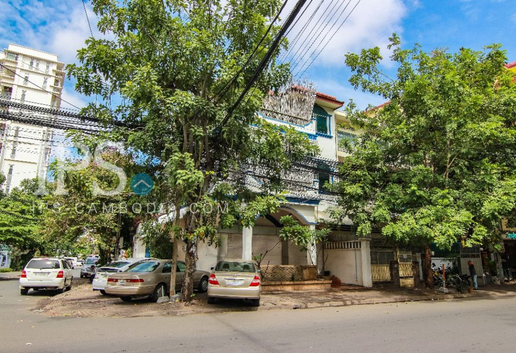 Corner Property for Sale - Tonle Bassac, Phnom Penh
