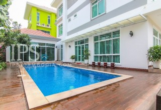 Modern 4 Bedroom Villa For Sale - Tonle Bassac