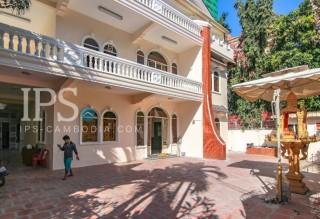 12 Bedrooms Commercial Villa for Rent In BKK1, Phnom Penh