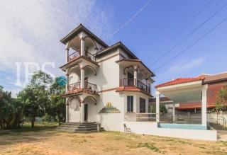 Siem Reap - 3 Bedroom Villa for Rent   thumbnail