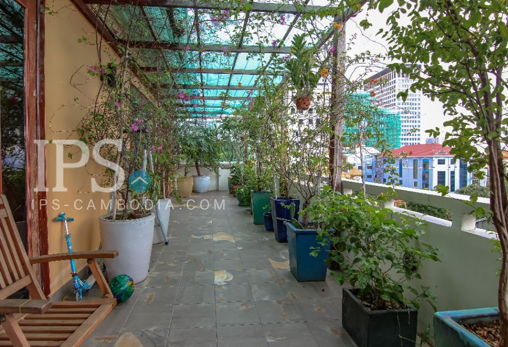4 Bedroom Duplex Apartment  for Rent - Daun Penh