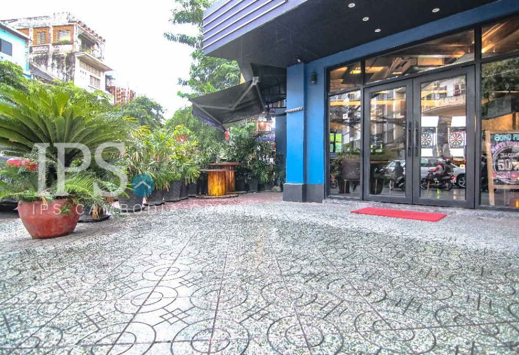 Fully Furnished Shophouse for Rent - Daun Penh