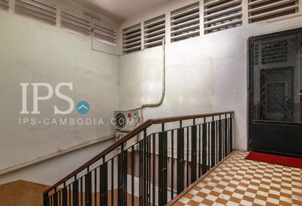 Renovated Apartment for Sale 1 Bedroom + Study Room